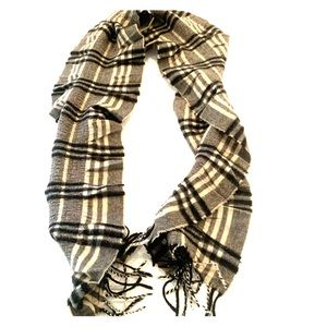 Authentic black and cream Burberry Ruffled scarf